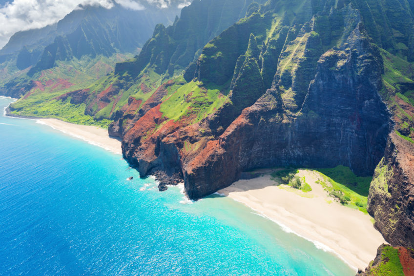 the cheapest way to get to hawaii
