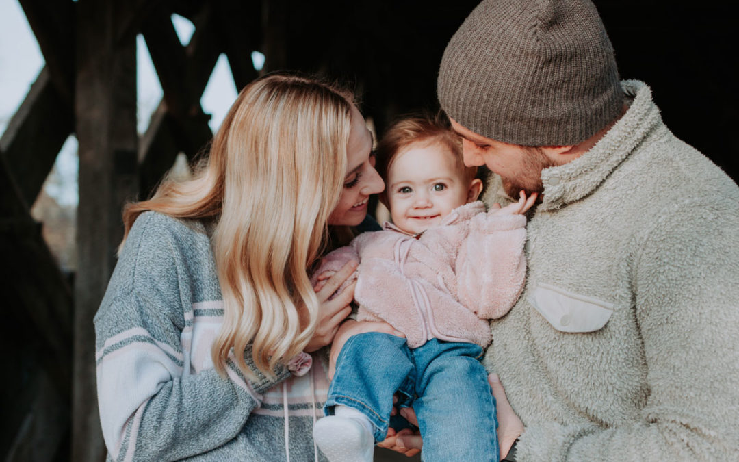 Cute Fall Family Photo Session // Guelph, Ontario