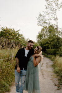 adventurous-scarborough-bluffs-engagement