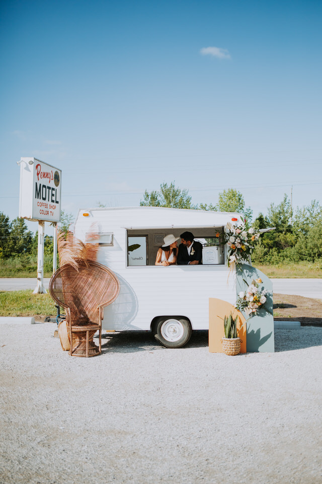 the bea bar thornbury ontario wedding vendor